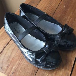 Girls stride rite black dress shoes.